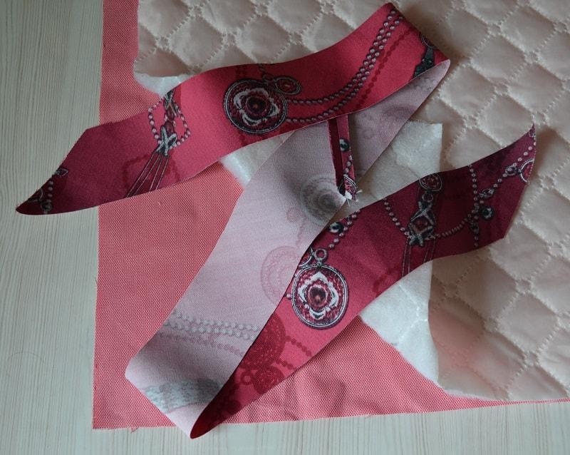 Обработка прямого угла одеяла косой бейкой