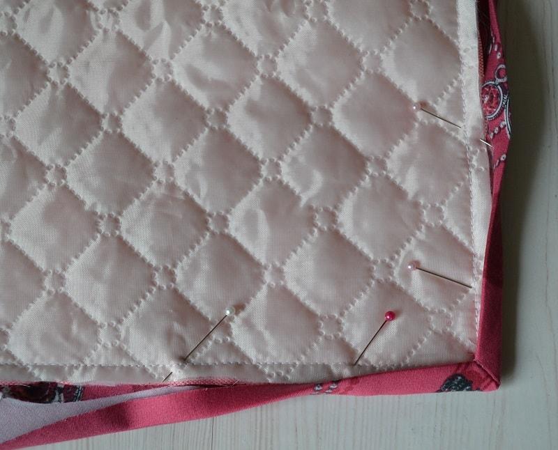 Как обработать бейкой прямой угол одеяла