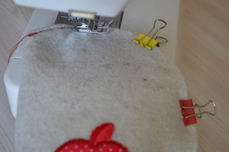 Стачайте этот шов на швейной машине