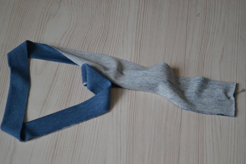 Как сшить женскую футболку из трикотажа, шаг 11