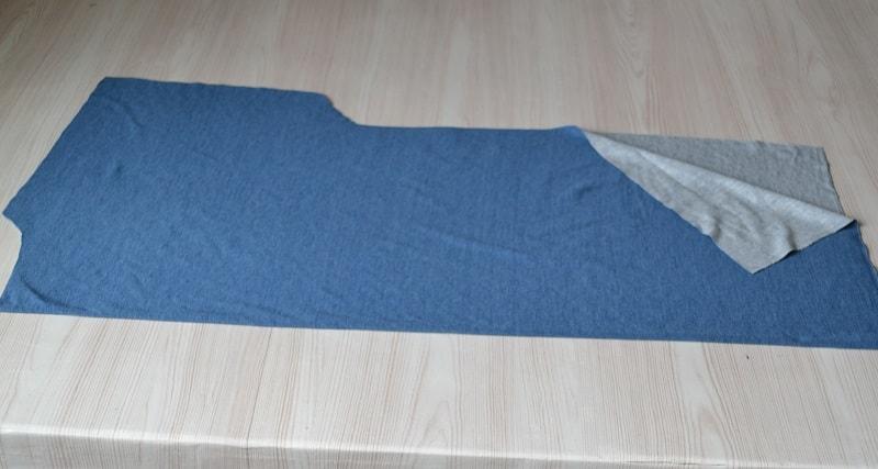 Как сшить женскую футболку из трикотажа, шаг 2
