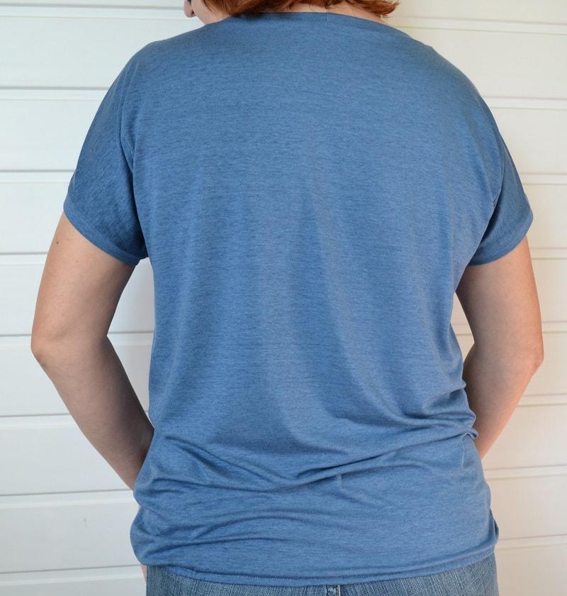 Как сшить женскую футболку из трикотажа, шаг 29