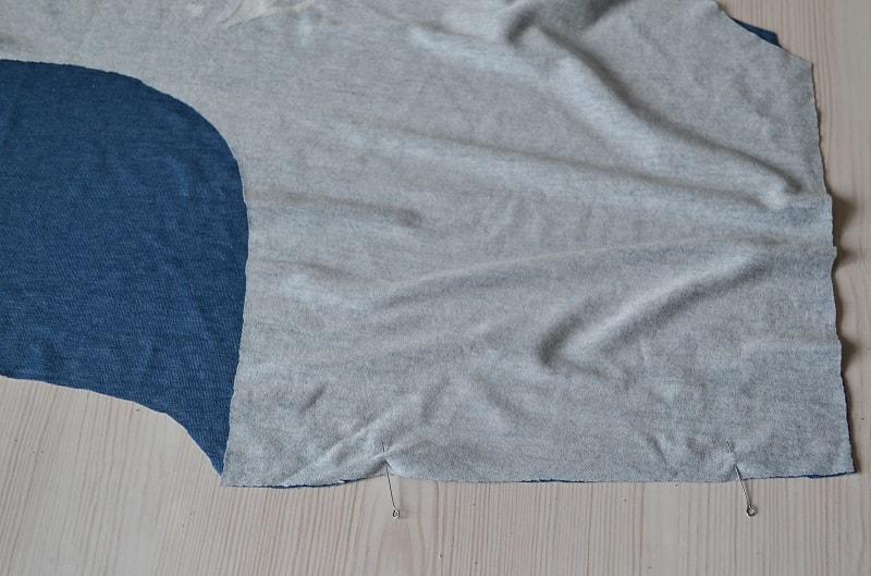 Как сшить женскую футболку из трикотажа, шаг 4