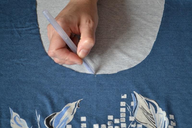Как сшить женскую футболку из трикотажа, шаг 7