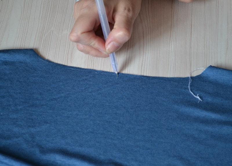 Как сшить женскую футболку из трикотажа, шаг 8
