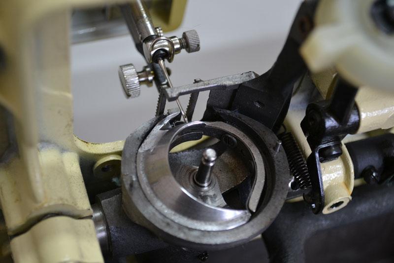 Как устроен швейный челнок