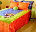 Декоративные подушки для кровати