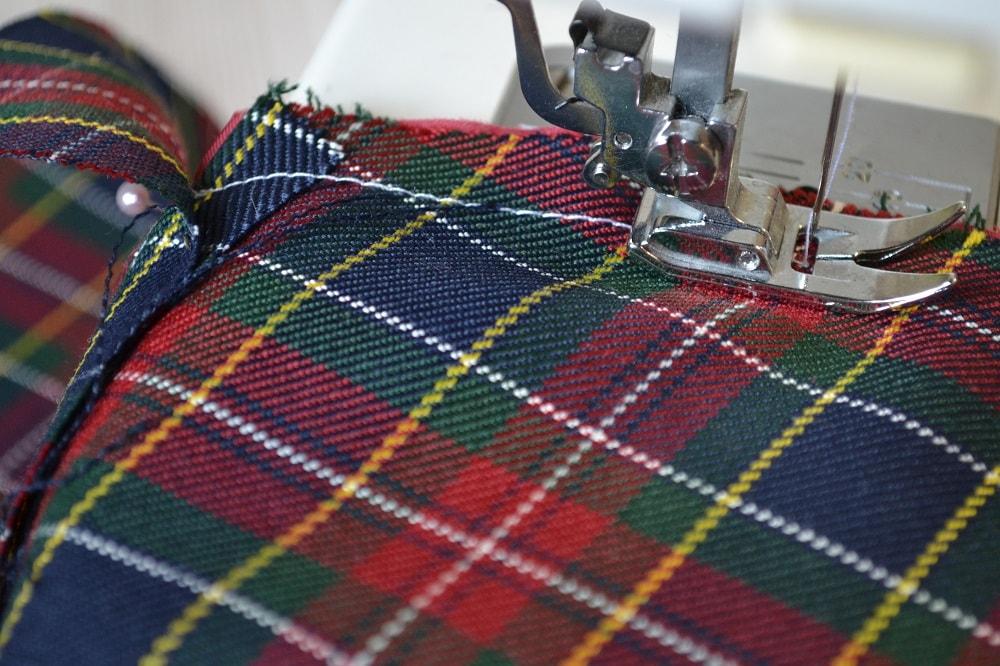 Обработка внутреннего бокового кармана платья, шаг 10