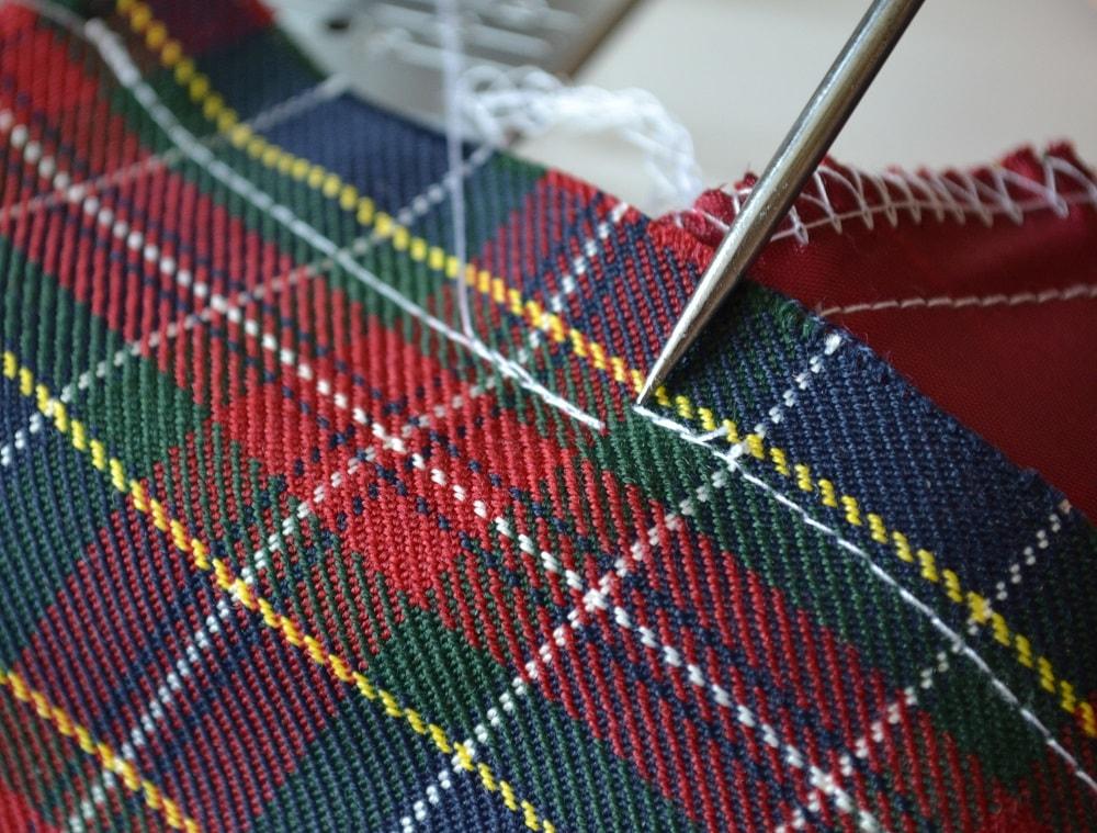 Обработка внутреннего бокового кармана платья, шаг 14
