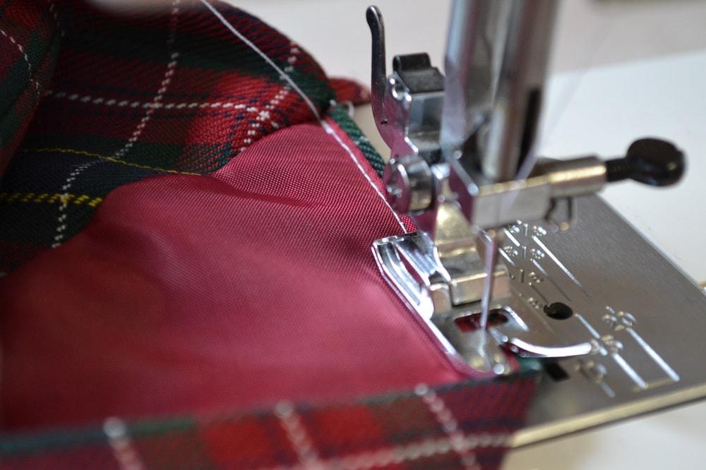 Обработка внутреннего бокового кармана платья, шаг 18