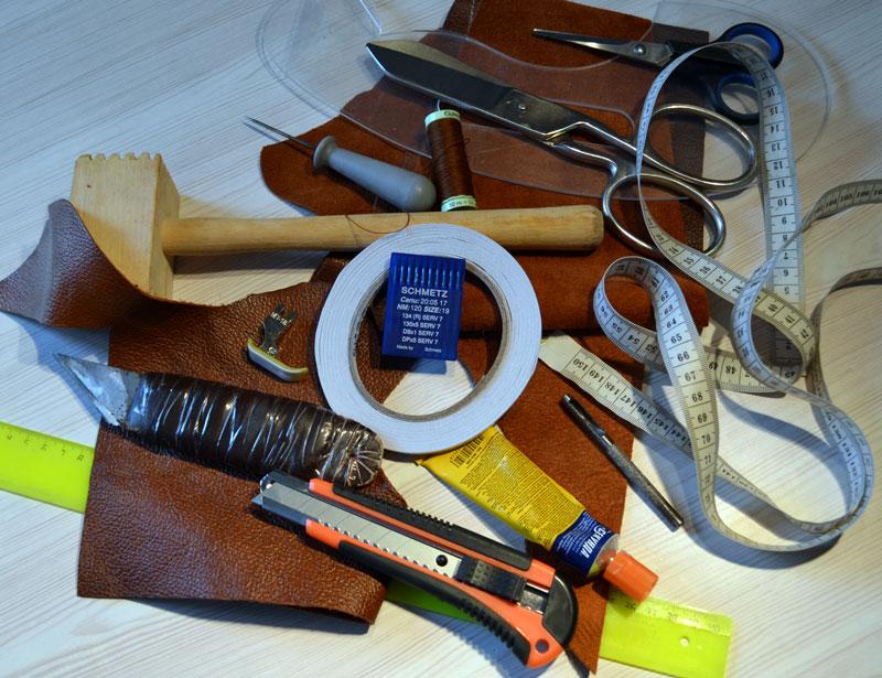 Инструменты для пошива сумки из кожи